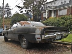 1970 Dodge Charger R/T. Somebody rescue this car please. Danny Zuko, My Dream Car, Dream Cars, Plymouth Cars, Cool Old Cars, Car Barn, Rusty Cars, Abandoned Cars, Amazing Cars