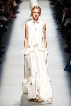 From Paris to London and Milan to New York, amazing bridal gown looks popped up all over the runway for Spring 2016: Rochas