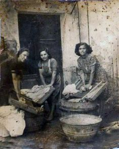 Greece Pictures, Old Pictures, Old Photos, Greece Photography, Old Photography, Antique Photos, Vintage Photos, Animals Black And White, American Photo