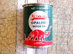 Vintage Motor Oil Tin Bank Sinclair Opaline by emmylucy
