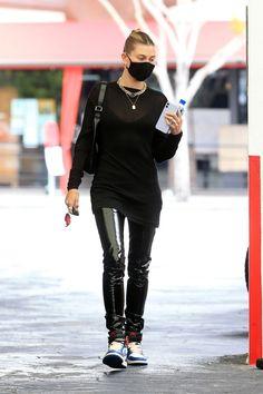 Star Fashion, Fashion Models, Fashion Outfits, Sneakers Fashion, Hailey Baldwin Style, Sneakers Street Style, Model Street Style, Her Style, Passion For Fashion