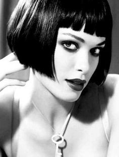 Abkürzung Frisuren mit Pony , Short Cut Hairstyles with Bangs , hair Source by Short Blunt Bob, Short Bangs, Short Hair Cuts, Short Hair Styles, Bob Bangs, Blunt Bangs, Images Of Bob Hairstyles, Short Bob Hairstyles, Trendy Haircuts