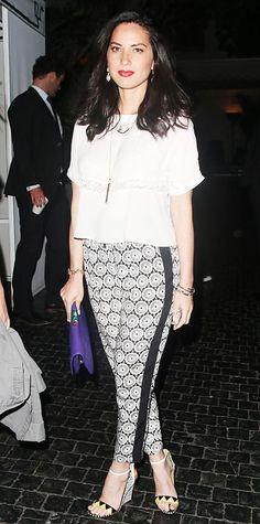 Celebrity Street Style    Picture    Description  Olivia Munn     https://looks.tn/celebrity/street-style/celebrity-street-style-olivia-munn-5/