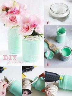 Sehe dir das Foto von FlowerPower mit dem Titel Tolle DIY Vasen für eine Gartenparty zum Beispiel. Alte Marmeladengläser von innen mit Acrylfarbe bemalen und dann mit einer Heißklebepistole eine Kordel drum kleben und andere inspirierende Bilder auf Spaaz.de an.