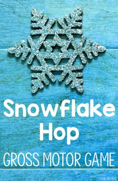 The snowflake hop is a great winter gross motor game. It's great for preschool aged and up. Use this game as a brain break, indoor recess, in therapy, physical education and preschool gross motor! Perfect to use all winter! Christmas Activities For Toddlers, Christmas Games For Kids, Winter Crafts For Kids, Toddler Activities, Preschool Winter, Toddler Games, Toddler Preschool, Christmas Ideas, Gym Games For Kids