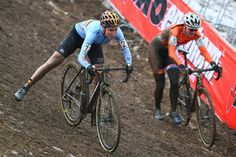 Great bike handling from Sanne Cant at the worlds