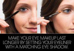 22 Genius Eyeliner Hacks Every Woman Needs to Know #SimpleEyeliner How To Use Eyeliner, Winged Eyeliner Tutorial, Simple Eyeliner, Perfect Eyeliner, Winged Liner, Eyeliner Hacks, Eyeliner Styles, Tips And Tricks, Lush