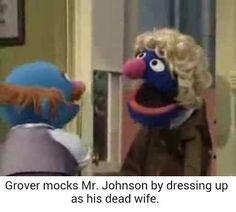 Grover breaks his neck Stupid Funny Memes, Haha Funny, Hilarious, Funny Stuff, Dark Jokes, Dark Humour Memes, Elmo Memes, Dankest Memes, Sesame Street Memes