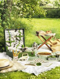 Picnic with Portmeirion botanical pieces • SERIOUSLY!!!  Another use for my every day place settings!!  Now I can buy another design (;