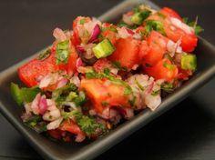 Friss paradicsomos salsa recept Salsa, Hungarian Recipes, Hungarian Food, Bruschetta, Enchiladas, Guacamole, Salad Recipes, Chili, Clean Eating