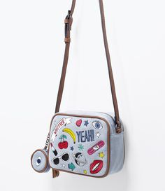 Bolsa para mulheres Cross-style With patches With níquel Marca: Blue Steel M . Mini Mochila, Cute Purses, E 10, Girls Bags, Womens Purses, Cute Bags, Backpack Purse, Beautiful Bags, My Bags
