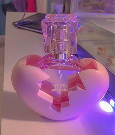 Next Perfume, Ari Perfume, Perfume Bottles, Ariana Grande Fragrance, Ariana Grande Cute, Ariana Grande Wallpaper, Perfume Collection, Body Mist, Bad Girl Aesthetic