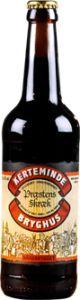 """PRÆSTENS SKRÆK 6,5% vol. / er en overgæret øl brygget på fire malttyper, to humletyper, gær og vand. Ingen tilsætningsstoffer. Ufiltreret og upasteuriseret.  Den tidligere frue på gården, hvor Kerteminde Bryghus ligger, var kendt som en meget dygtig brygger.  Øllet var velkendt for sin kvalitet, og det gode øl blev i folkemunde kaldt """"Præstens Skræk"""". Navnet kom af, at folk ikke altid kunne finde den lige vej hjem – heller ikke præsten.  Præstens Skræk er brygget efter de originale gamle…"""