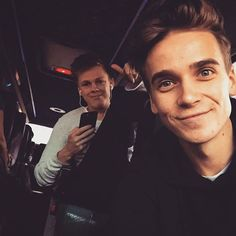 Joe Sugg and Caspar Lee Joe And Zoe Sugg, Joseph Sugg, Buttercream Squad, Sugg Life, Marcus Butler, British Youtubers, Caspar Lee, Vlog Squad, Joey Graceffa