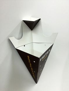 Cardboard cornet of French fries and sauce | FAICOM - Box and packaging / Cornet de frites et sauce en carton/ Cono de cartón para patatas fritas y salsa