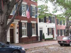 https://flic.kr/p/nMBJ4Z | Prince Street, Old Town Alexandria, Virginia | Alexandria (formerly Belhaven and Hunting Creek Warehouse) is an independent city in the Commonwealth of Virginia. As of the 2010 census, the population was 139,966, in 2013, the population was estimated to be 151,218. Located along the Western bank of the Potomac River, Alexandria is approximately six miles (9.6 kilometers) south of downtown Washington, D.C.  Like the rest of Northern Virginia, as well as central…