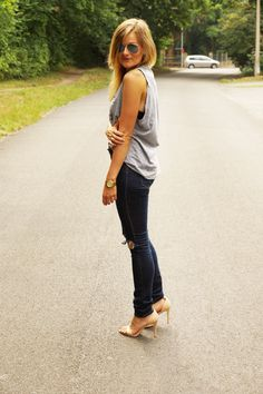 Be kind - Rock on Ripped Jeans, Hipster, Rock, My Style, Fashion, Tattered Jeans, Moda, Hipsters, Stone