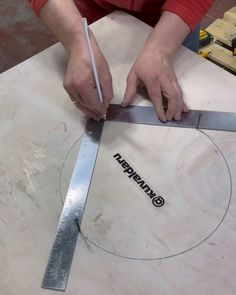 Woodworking Techniques, Woodworking Projects Diy, Woodworking Jigs, Wood Projects, Diy Crafts Hacks, Diy Home Crafts, Wood Crafts, Wood Joints, Diy Home Repair