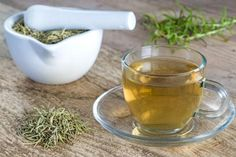 There are many health benefits of rosemary tea that you must know, Medically it has been proven that rosemary tea improves both mental and physical health. Best Green Smoothie, Green Smoothie Recipes, Green Smoothies, Healing Herbs, Natural Healing, Natural Home Remedies, Herbal Remedies, Natural Medicine, Herbal Medicine