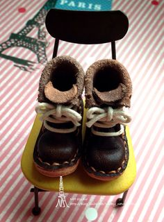 1/6 brown shoes