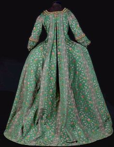 Fripperies and Fobs Vintage Gowns, Vintage Outfits, Vintage Clothing, Rococo Fashion, Women's Fashion, Types Of Gowns, 18th Century Costume, 18th Century Fashion, Thierry
