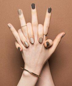 Pin by Lisa Firle on Nageldesign - Nail Art - Nagellack - Nail Polish - Nailart - Nails Classy Nails, Stylish Nails, Simple Nails, Ten Nails, Nagellack Trends, Minimalist Nails, Manicure E Pedicure, Cute Acrylic Nails, Gradient Nails