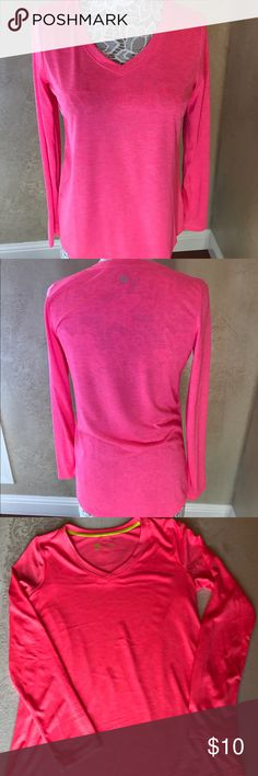 Ladies pink activewear top This top is brand new without tags. Perfect for pairing with your yoga or running pants.  Size Small. Tops Tees - Long Sleeve