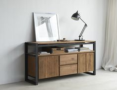 Industrieel houten dressoir met een metalen frame. De Fendy collectie van d-Bodhi!
