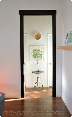 How To Case In an Entryway @ Vintage Revivals