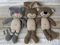 Knitted bunny, knitted rabbit, knitted cat, knitted bear - Twins' Knitting Pattern MiniShop: Happy Pets, flat trio (in English) - Patterns for sale. Knitted Cat, Knitted Animals, Knitted Dolls, Crochet Toys Patterns, Stuffed Toys Patterns, Knitting Patterns, Knitting Ideas, Knitting Projects, Crochet Projects
