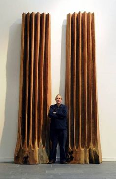 We love David Nash's wooden sculptures (but these can't be seen at Kew Gardens! Abstract Sculpture, Wood Sculpture, Contemporary Sculpture, Contemporary Art, Totems, Wow Art, Driftwood Art, Environmental Art, Texture Art
