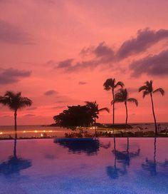 The calm before Hurricane Patricia. @shelbykeeton @conorgraham #puntamita #mexico #StRegisPuntaMita #nofilter #tedemmons #sunset #hurricanpatricia