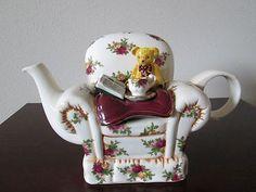 Royal Albert Old Country Roses Teapot