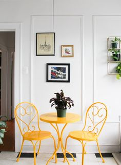 This Small Chicago Rental Has Great Art, Removable Wallpaper, and Gorgeous Decor - - Each room has a beautiful, different vibe. Red Home Accessories, Living Room Accessories, Target Bed Frames, Apartment Therapy, Ste Marguerite, Home Board, Interior Decorating, Interior Design, Decorating Ideas