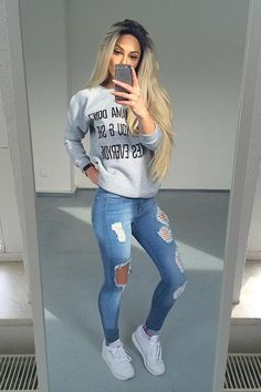 b62b38fa5dc School outfits highschool baddie Cute Ripped Jeans Outfit