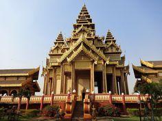 Golden Palace Bagan Birma - Celina Lisek Crown Art, Led Light Box, Bagan, Building Design, Big Ben, Palace, Architecture, Arquitetura, Palaces