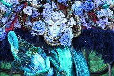 """Les masques du Carnaval de Venise : """"du vert Véronèse au bleu vénitien"""""""