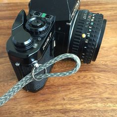 All that's left to do is thread the end of your paracord strap through your camera's d-ring or split ring to form a cow's hitch. Paracord Camera Strap, Camera Wrist Strap, Make Your Own, Make It Yourself, How To Make, Dslr Photography, Lomography, Fine Art Photo, Split Ring