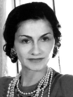 coco chanel (1883-1971) - famous female designer in 1930s - Her designs are simple and rebellious. - I pinned this pic because Chanel is a carefree and rebellious women. I really like that personality of her