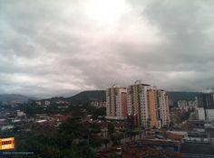 Buenos días Bucaramanga, que delicia levantarse con esta mañana fría pero tan linda. Feliz inicio de semana para todos. Gracias @mileyzambrano por compartir esta foto.