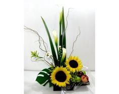 Contemporary Flower Arrangements, Small Flower Arrangements, Sunflower Arrangements, Ikebana Arrangements, Arte Floral, Floral Centerpieces, Tropical Flowers, Bonsai, Flower Decorations