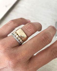 Diamond Hoop Earrings / Diamond Huggies / Solid Gold Huggie Earrings / Tiny Hoop Earrings / Diamond Hoop Earrings / Fine Jewelry *** The Earrings are sold as a pair. Dainty Gold Rings, Delicate Jewelry, Simple Jewelry, Unique Rings, Cheap Jewelry, Silver Rings, Sparkly Jewelry, Gold Jewelry, Fine Jewelry