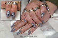 #onestroke #inklondon #nailart #moleenddesign #handpainted #greynails