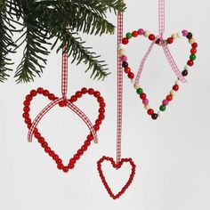 Learn more about DIY Christmas Scandinavian Christmas Decorations, Easy Christmas Decorations, Christmas Crafts For Kids, Diy Christmas Ornaments, Xmas Crafts, Handmade Christmas, Christmas Time, Christmas Inspiration, Textiles