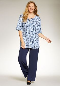 8bfd328404f Women s Plus Size Graphic print knit top and pants set