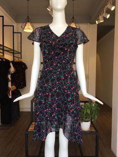 ĐÀM XÒE CHÂN CHỮ A - D02-0070 Short Sleeve Dresses, Dresses With Sleeves, Fashion, Moda, Sleeve Dresses, Fashion Styles, Gowns With Sleeves, Fashion Illustrations