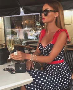 Inspo : _living_with_style_ The post Inspo : _living_with_style_ appeared first on Celebrity Trends Classy Outfits, Chic Outfits, Paris Chic, Cooler Look, Celebrity Look, Elegant Outfit, Elegant Chic, Mode Outfits, Mode Inspiration