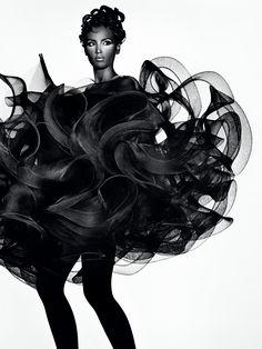 avant garde fashion | ... new exhibit Future Beauty: Avant-Garde Japanese Fashion