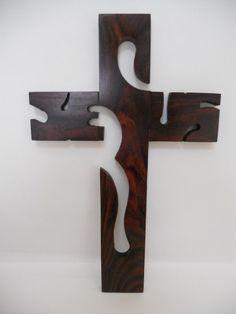 Cruz De Madera De Granadillo. Artesanías Michoacanas.                                                                                                                                                      Más