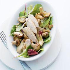 Herbstlicher Pilzsalat mit Kaninchenfilets   Autumnal Mushroom Salad with Rabbit Loins (in german)